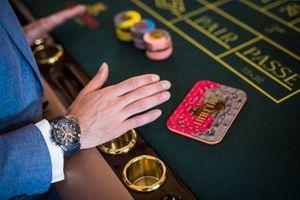 Игральный стол и фишки в казино Монте-Карло