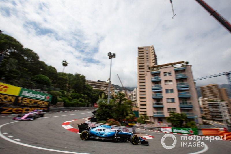 Robert Kubica, Williams FW42, leads Sergio Perez, Racing Point RP19