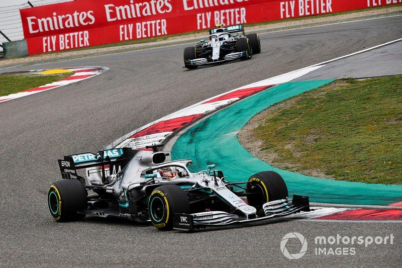 Valtteri Bottas und Lewis Hamilton