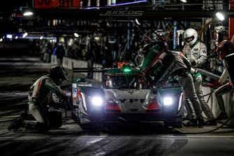 #50 Juncos Racing Cadillac DPi, DPi: Will Owen, Rene Binder, Agustin Canapino, Kyle Kaiser, pit stop