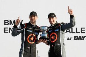Podyum: #75 Compass Racing McLaren GT4, GS, Paul Holton, Kuno Wittmer