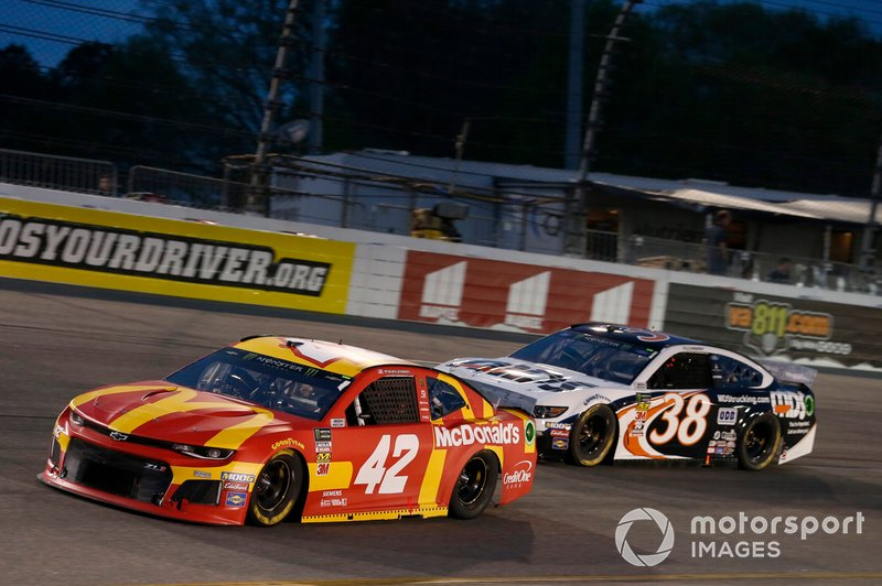 Kyle Larson, Chip Ganassi Racing, Chevrolet Camaro McDonald's David Ragan, Front Row Motorsports, Ford Mustang MDS Transport