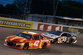 Kyle Larson, Chip Ganassi Racing, Chevrolet Camaro McDonald's David Ragan, Front Row Motorsports, Ford Mustang MDS Transport