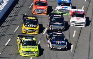 Matt Crafton, ThorSport Racing, Ford F-150 Ideal Door/Menards and Todd Gilliland, Kyle Busch Motorsports, Toyota Tundra Mobil 1