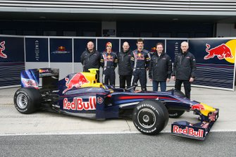 Rob Marshall, Red Bull Racing Chief Designer, Sebastian Vettel, Adrian Newey, Red Bull Racing Chief Technical Director, Mark Webber, Christian Horner, Red Bull Racing Sporting Director and Geoff Willis. Red Bull Racing