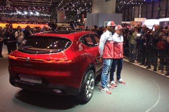 Antonio Giovinazzi e Kimi Raikkonen, Alfa Romeo Racing