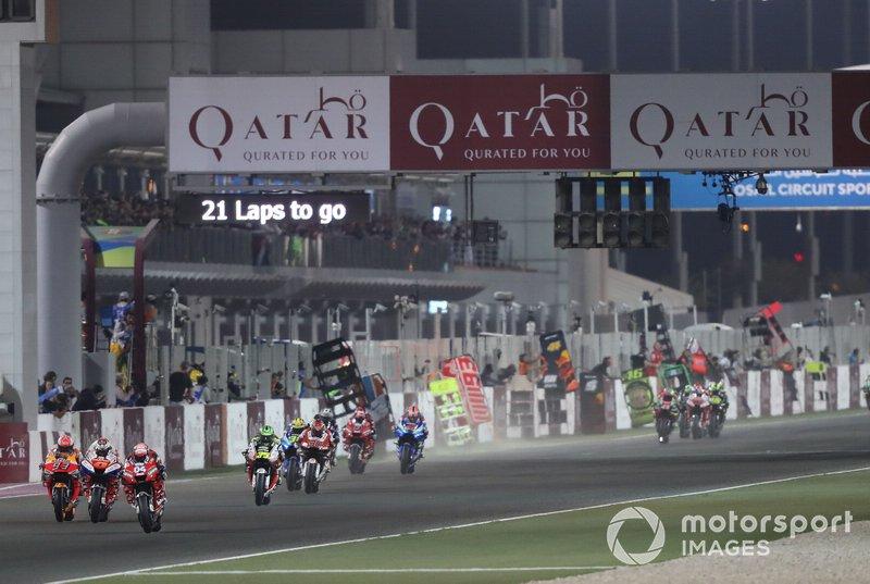 Pero MotoGP acabó cancelando esa cita, la que iba a ser la primera del mundial 2020. Qatar se puso estricto con la entrada y salida a su país de ciudadanos de las zonas afectadas y los equipos no tenían asegurado poder disputar la carrera.