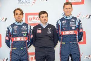 Augusto Farfus, Max Maximenko, Nick Catsburg, Hyundai BRC Team