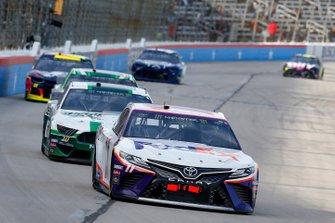 Denny Hamlin, Joe Gibbs Racing, Toyota Camry FedEx Office, Aric Almirola, Stewart-Haas Racing, Ford Mustang Smithfield Prime Fresh