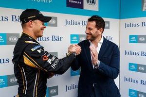 Andre Lotterer, DS TECHEETAH, is congratulated by Marco Parroni, Head of Global Sponsoring, Managing Director SA Julius Baer, after taking pole position