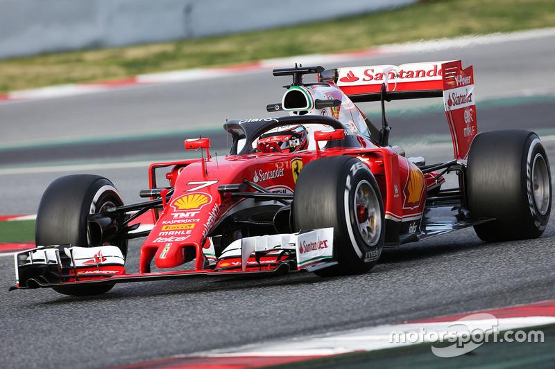 Kimi Raikkonen, Ferrari SF16-H, probando el Halo una protección para el habitáculo.