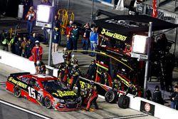 Pit stop Clint Bowyer, HScott Motorsports Chevrolet