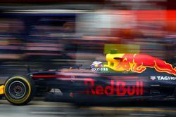 Daniel Ricciardo, Red Bull Racing während eines Boxenstopps