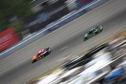 Jamie McMurray, Chip Ganassi Racing Chevrolet, Dale Earnhardt Jr., Hendrick Motorsports Chevrolet