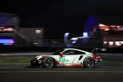 #91 Porsche Team Porsche 911 RSR : Richard Lietz, Frédéric Makowiecki, Patrick Pilet