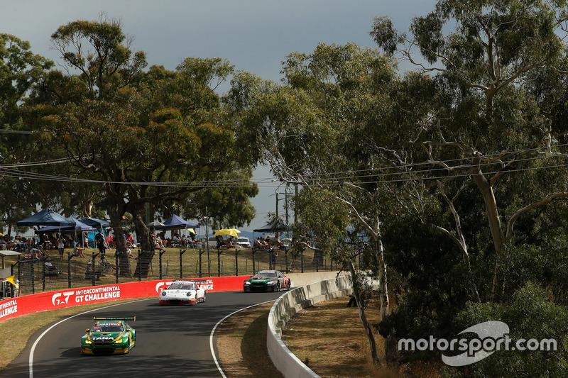 №90 MARC Cars Australia, BMW M6 GT3: Час Мостер, Макс Твигг, Морган Хабер; №7 BMW Team SRM, BMW M6 G