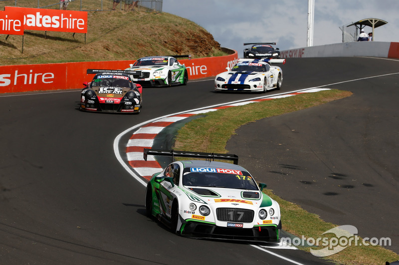 #17 Bentley Team M-Sport, Bentley Continential GT3: Andy Soucek, Maxime Soulet, Vincent Abril