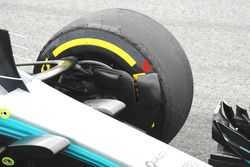 Mercedes F1 AMG W08, front brake duct fence
