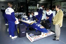 Riccardo Patrese driving the championship-winning Williams Renault FW18