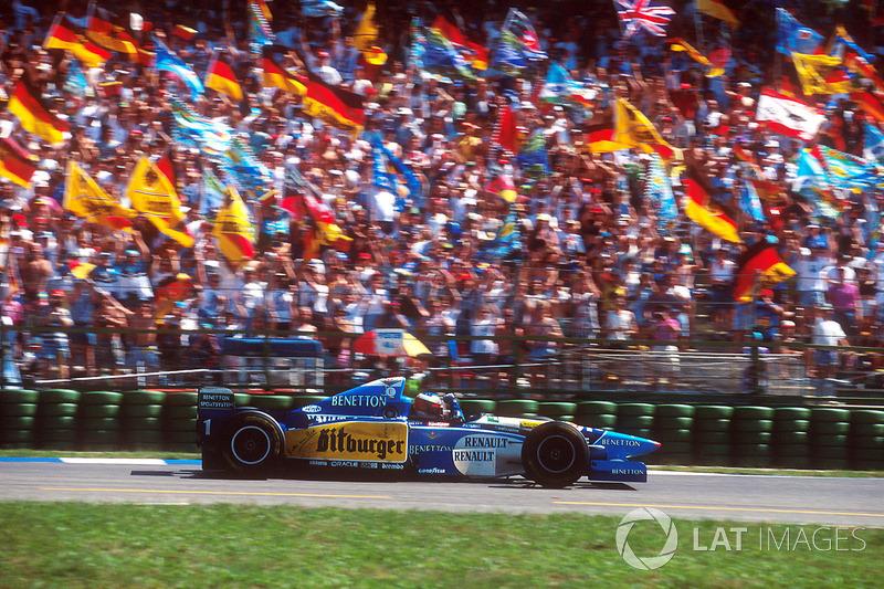 1995: Benetton - Campeón, 9 victorias, 102 puntos, 17 GPs
