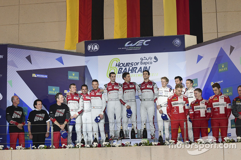 Podio: Los dos equipos de Audi, el Porsche #1 y el Rebellion Racing