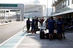 Trident team prepare for pitstop practice