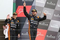Ganadores de la carrera Franck Perera, Maximilian Buhk