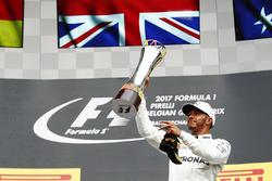 Podium: race winner Lewis Hamilton, Mercedes AMG F1