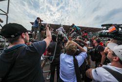 Lewis Hamilton, Mercedes AMG F1 celebra con los fans