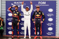 Polesitter Lewis Hamilton, Mercedes AMG F1, second place Max Verstappen, Red Bull Racing, third place Daniel Ricciardo, Red Bull Racing