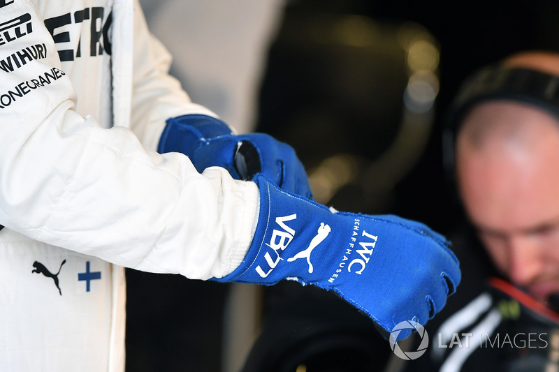 Guantes de Valtteri Bottas, Mercedes AMG F1