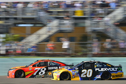 Matt Kenseth, Joe Gibbs Racing Toyota, Martin Truex Jr., Furniture Row Racing Toyota