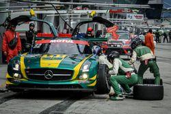 Pit stop, #52 SAITAMA TOYOPET Green Brave, Mercedes-Benz SLS AMG GT3: Taku Bamba, Takayuki Hiranuma, Naoki Hattori, Shogo Mitsuyama