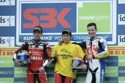 Podio: ganador Noriyuki Haga, Yamaha; segundo lugar Troy Corser, Yamaha; tercer lugar Max Neukirchner, Suzuki