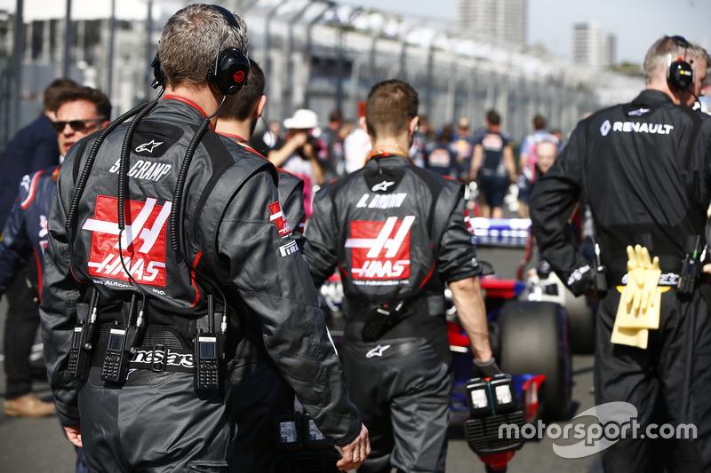 Mecánicos de Haas F1 Team