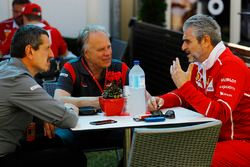 Guenther Steiner, director del equipo, Haas F1 Team, Gene Haas F1 Team, dueño del equipo, Haas F1 Te