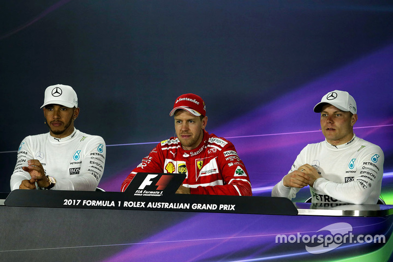 Conferenza stampa: il vincitore Sebastian Vettel, Ferrari, il secondo classificato Lewis Hamilton, Mercedes AMG F1, il terzo classificato Valtteri Bottas, Mercedes AMG F1