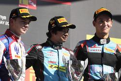 Podyum: Yarış galibi Arjun Maini, Jenzer Motorsport, 2. Dorian Boccolacci, Trident, 3. Alessio Loran