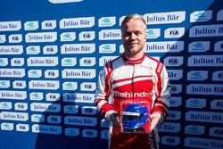Pole para Felix Rosenqvist, Mahindra Racing