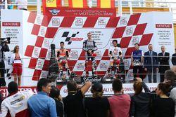 Podio: ganador de la carrera Jorge Lorenzo, Yamaha; segundo lugar Dani Pedrosa, Repsol Honda; tercer