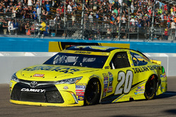 Matt Kenseth, Joe Gibbs Racing Toyota with damage