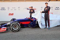 Daniil Kvyat, Scuderia Toro Rosso and Carlos Sainz Jr., Scuderia Toro Rosso unveil the Scuderia Toro