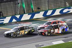 Martin Truex Jr., Furniture Row Racing Toyota, Kyle Busch, Joe Gibbs Racing Toyota, Kyle Larson, Chi