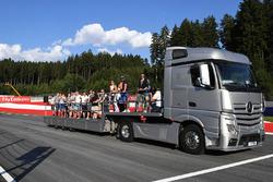 Des visites du circuit en camion