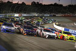 4-wide salute Dale Earnhardt Jr., Hendrick Motorsports Chevrolet, Matt Kenseth, Joe Gibbs Racing Toyota, Denny Hamlin, Joe Gibbs Racing Toyota, A.J. Allmendinger, JTG Daugherty Racing Chevrolet