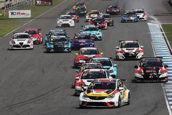 Start action, Mato Homola, DG Sport Compétition, Opel Astra TCR leads