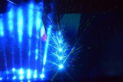 I giochi di luce fatti durante lo spettacolo per i 70 anni della Ferrari