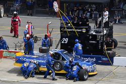 Chase Briscoe, Brad Keselowski Racing Ford makes a pit stop