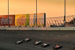 Will Power, Team Penske Chevrolet, Tristan Vautier, Dale Coyne Racing Honda, Scott Dixon, Chip Ganas