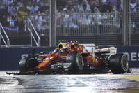 Max Verstappen, Red Bull Racing RB13, Kimi Raikkonen, Ferrari SF70H, crash out at the start